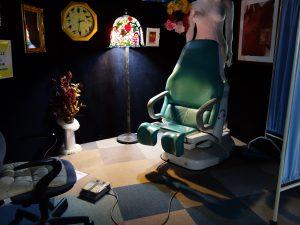 婦人科の昇降椅子